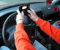 Texting-driving-dangerous