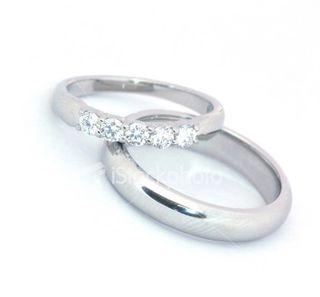 Ist2_115204-wedding-bands