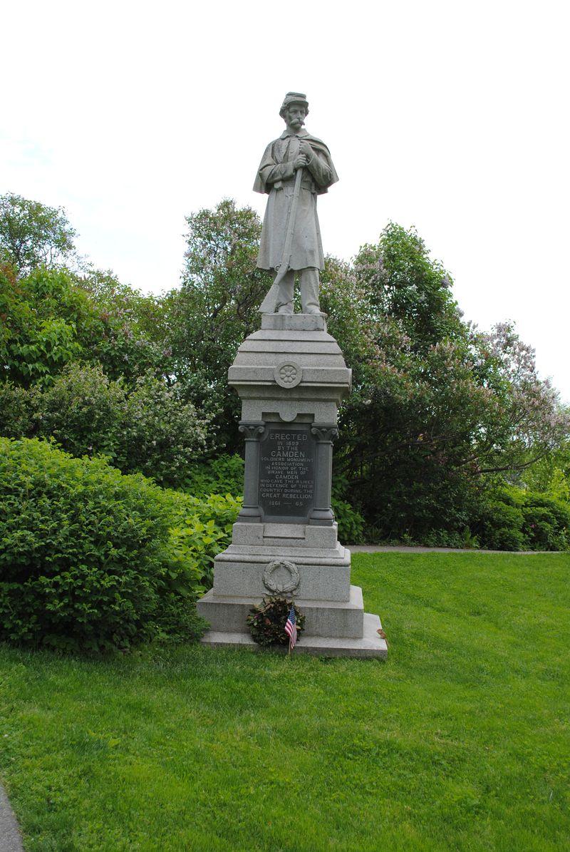 Turnier-camden-maine-monument