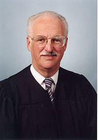 Judge_professor_doug_douglas_ginsburg
