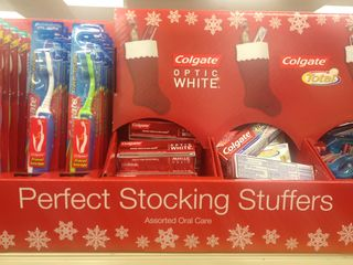 Perfect_stocking_stuffers_colgate